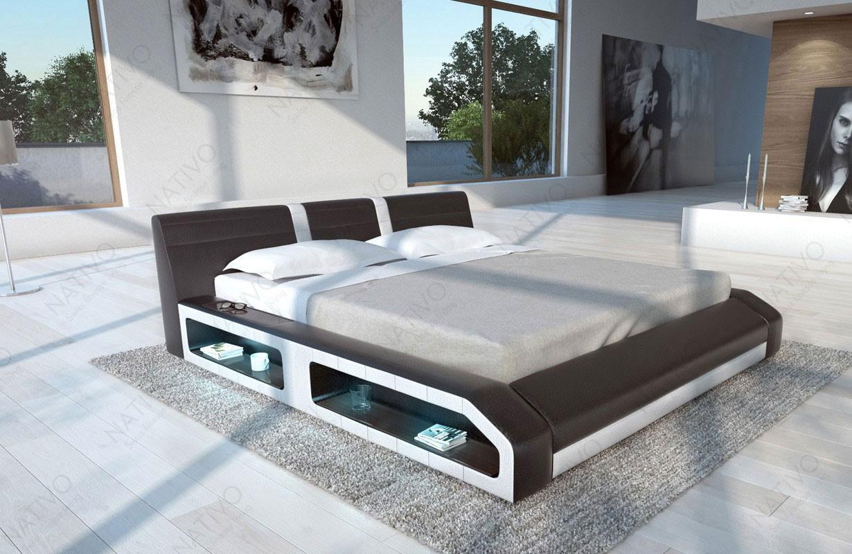 Čalouněná postel FLOYD s LED osvětlením